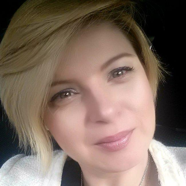 Dª Cristina Pérez García